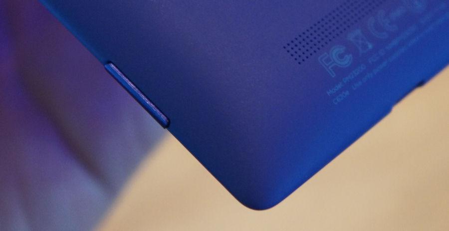 HTC 8X detaling