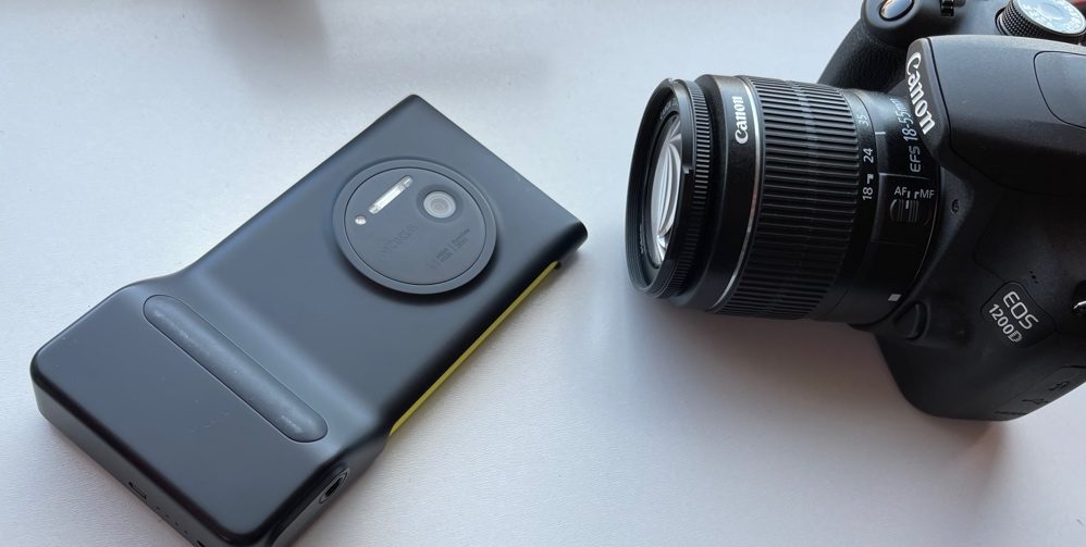 Lumia 1020 and Canon DSLR