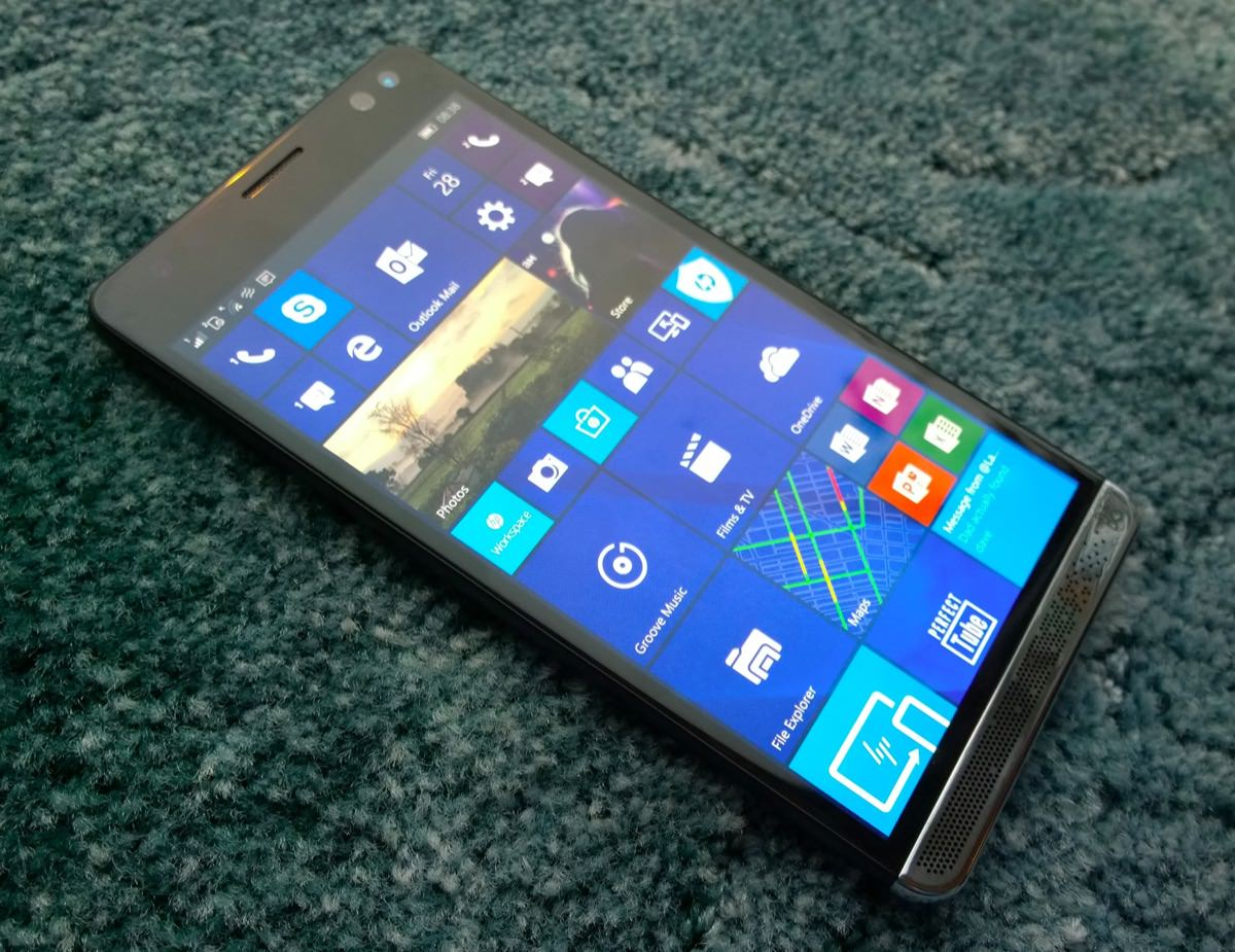 HP Elite X3 front oblique