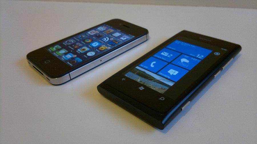 iPhone 4S & Lumia 800