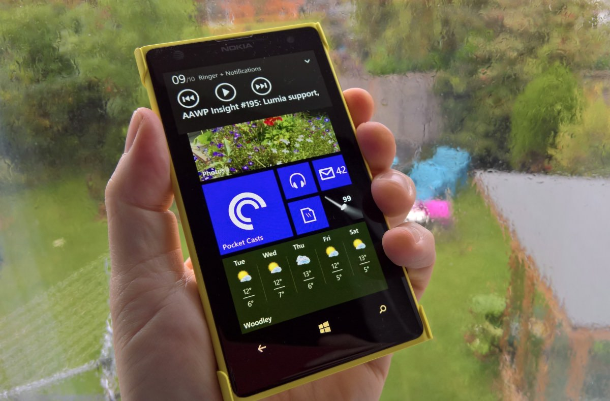 Lumia 1020 on 8.1, with working media controls