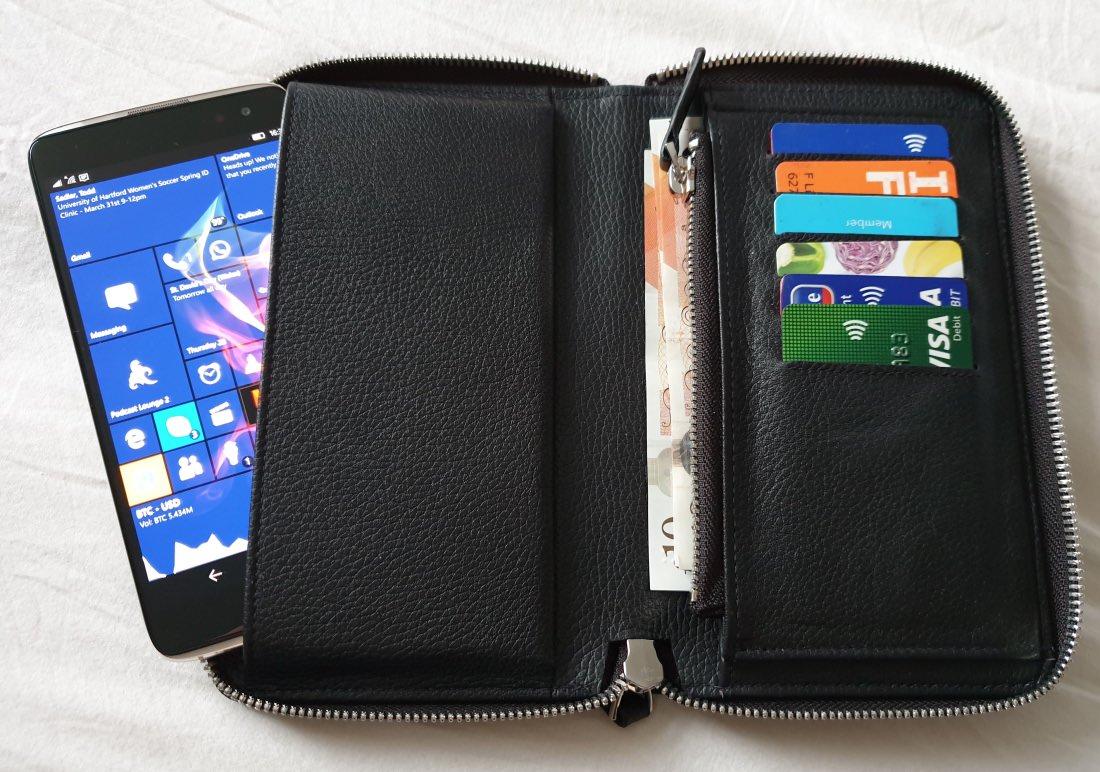 Noreve Wallet case