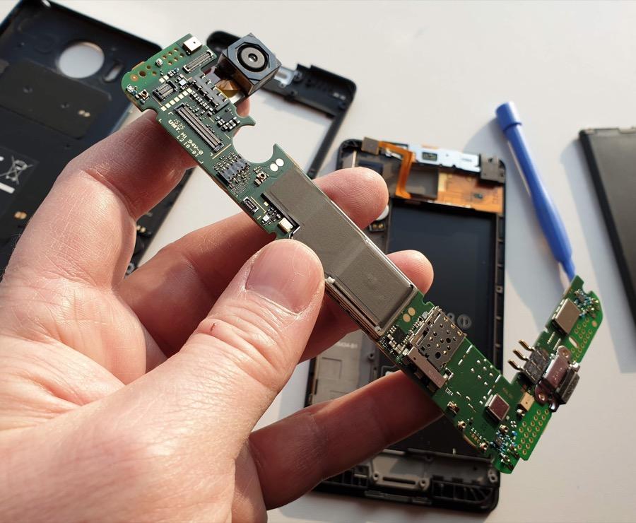 Lumia 950 motherboard