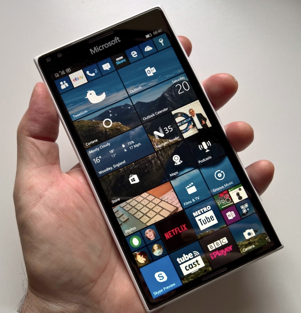 what to expect in a 2017 39 surface phone 39. Black Bedroom Furniture Sets. Home Design Ideas