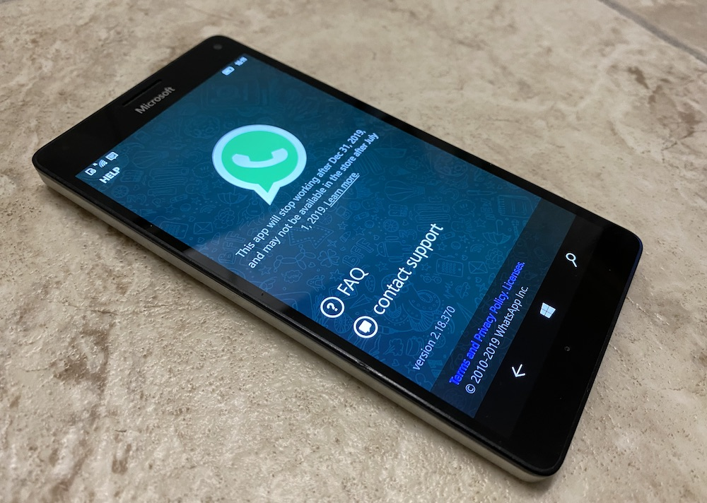 Whatsapp stopping on Lumias