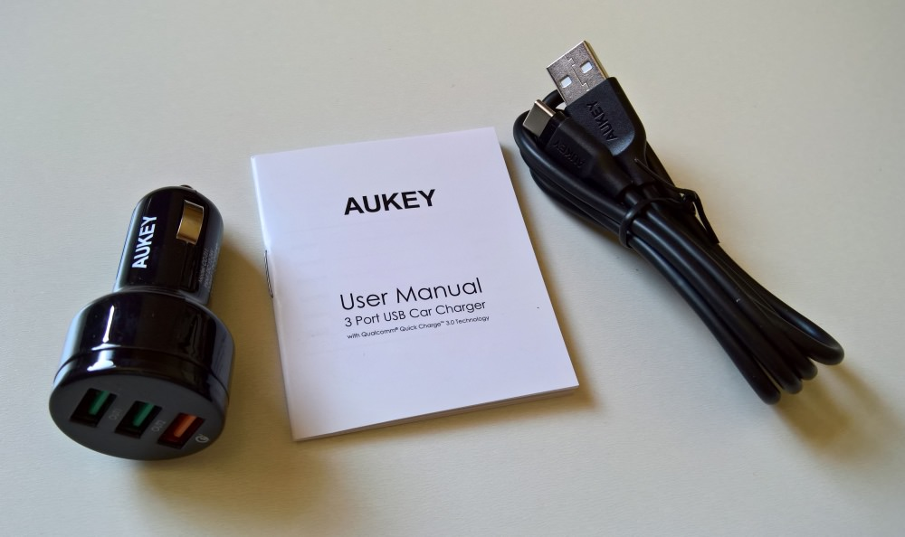 AUKEY 3-port car adapter