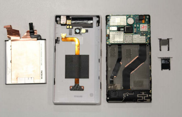 Internal photo of Lumia 720