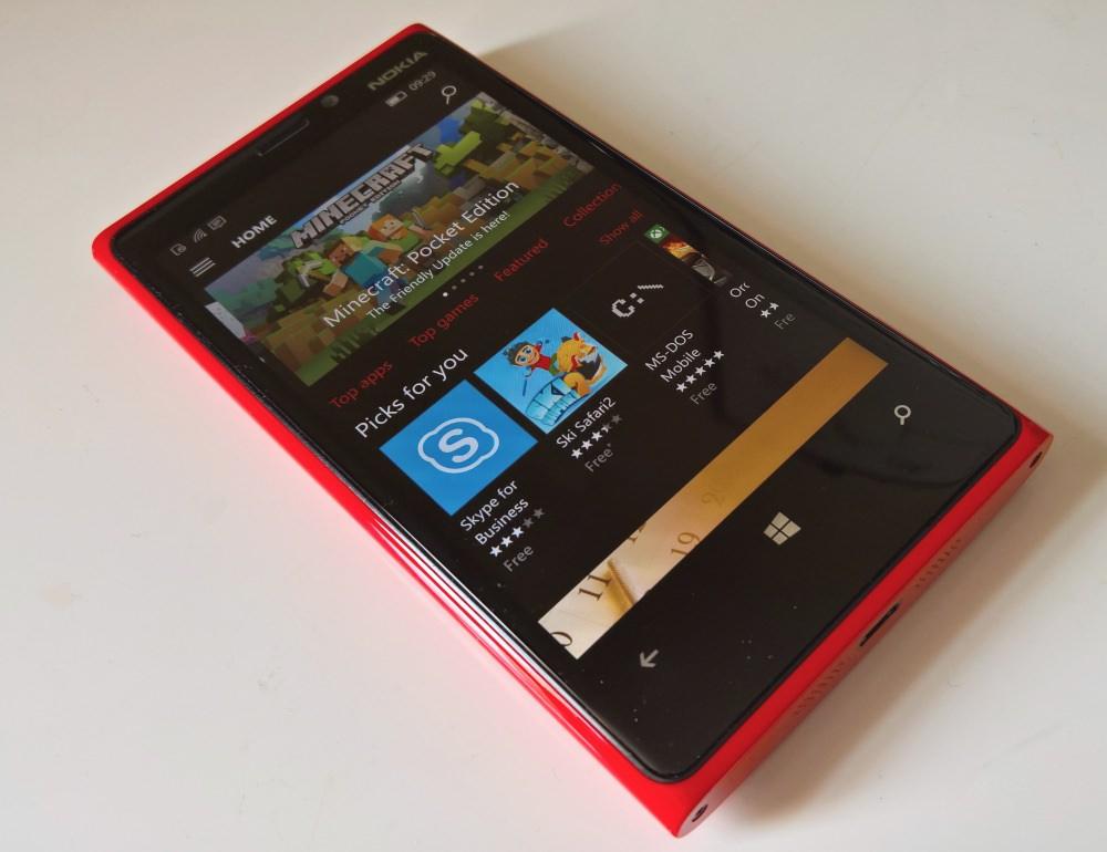 Lumia 920 running latest Windows 10