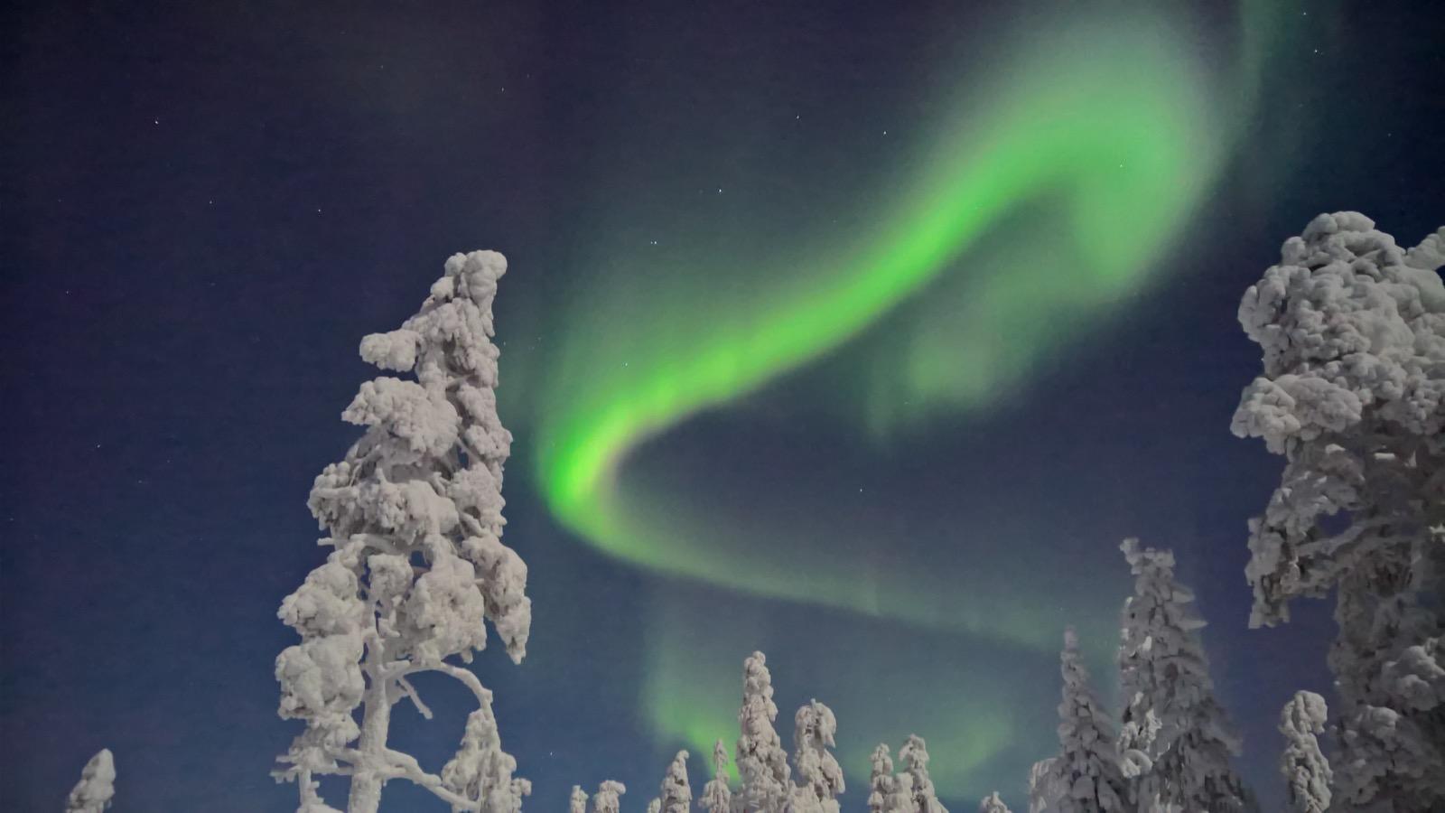 Shooting The Aurora Borealis On A Smartphone