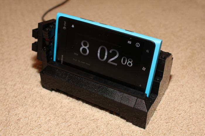 Lumia 900 Lego Dock