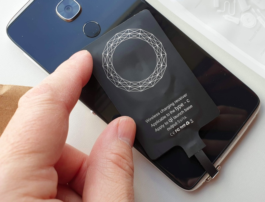 Failing to add Qi charging to the IDOL 4 Pro