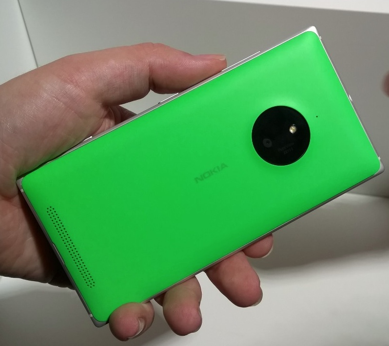 Lumia 830 back view