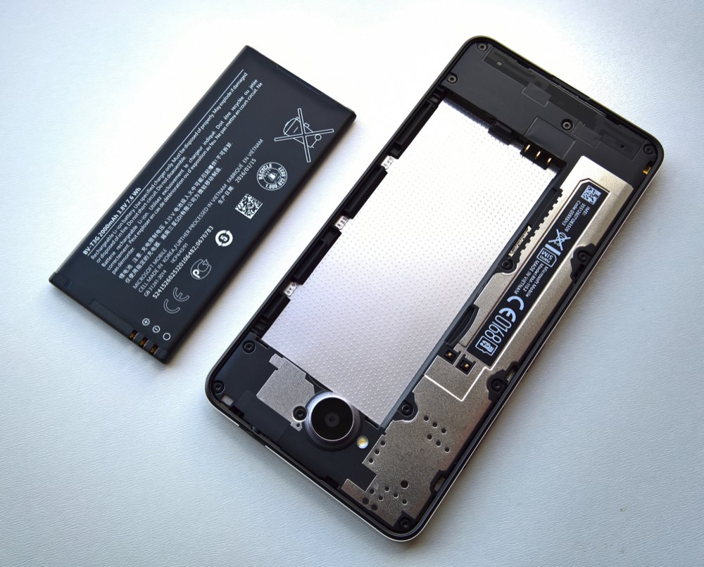 Lumia 650 back off