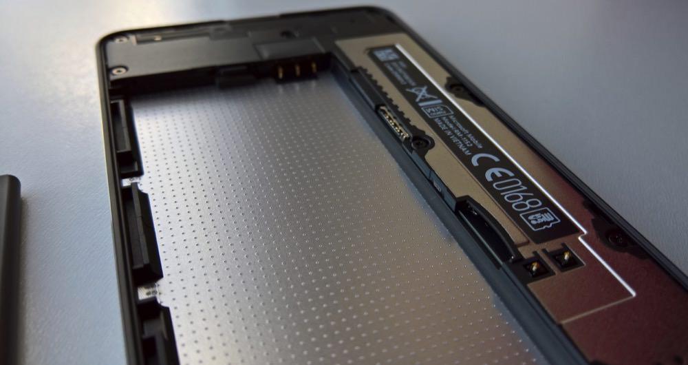 Lumia 650 card slots
