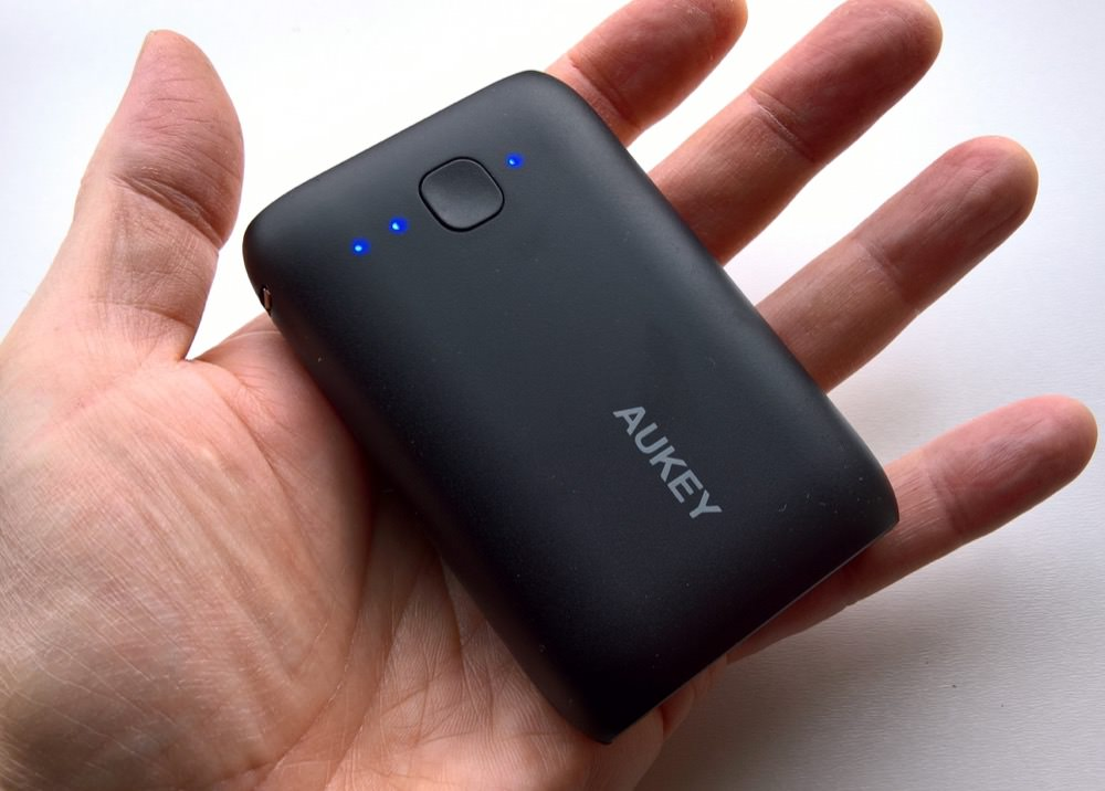 AUKEY Compact charger