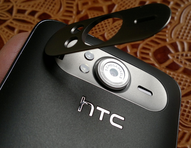 HTC HD7 cam and kickstand