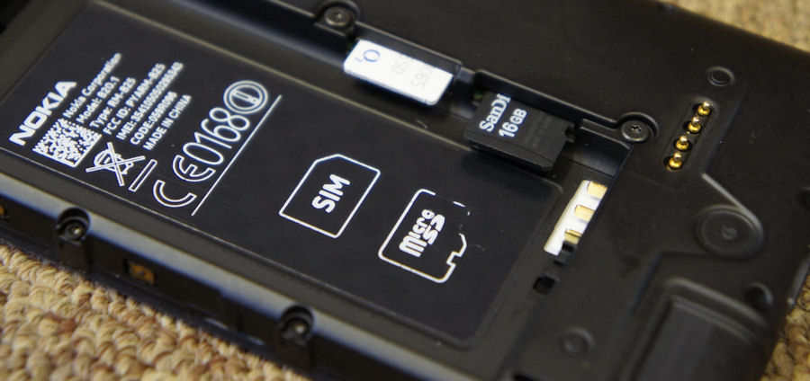 Lumia 820's microSD expansion